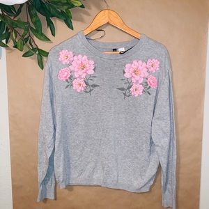 H&M EMBROIDERED FLOWER SWEATER TOP